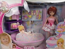 Lelia  Puppehaus Zimmer Spielset Geschenk für ab 3 Jahre mit Puppe