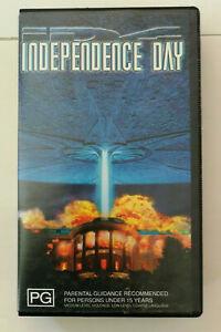 Independence Day VHS Will Smith Bill Pullman Classic Alien/War Movie
