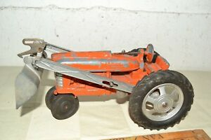 Vtg HUBLEY Orange Kiddie Toy TRACTOR No.500 Lancaster PA w/Scoop USA MADE