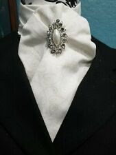 Stock Tie White Heart Scroll Contour (Pin is not included)