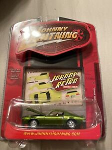 Johnny Lightning 1972 Pontiac Firebird Formula