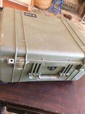 PELICAN 1610 ROLLING CASE w FOAM APPROX 23x18x12 TRANSPORT WHEELS & HANDLE