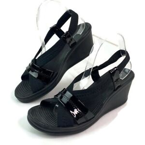Skechers Womens Black Patent Leather Toe Strap Strappy Sandal Wedge sz 9