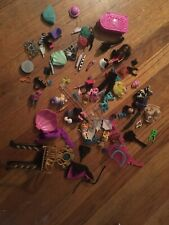 Monster High LOT OF MIXED ACCESORIES Chair Babies Arms Legs Hands Gargoyle Lot