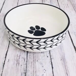 """Dog or Cat Bowl by Signature White Arrow Bowl is 5 x 1 3/4"""" EUC Paw"""