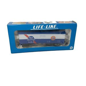 HO Life-Like Pabst Blue Ribbon Beer 40' Advertising Beer Reefer
