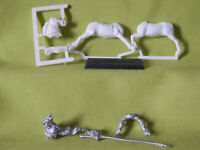 A33  WARHAMMER EMPIRE KNIGH 1ST VERSION WHITE WOLF  METAL MODEL 1980S OOP