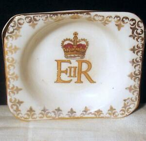 Queen Elizabeth II Commemorative China Pin or Pit Dish Tea Bag Holder England