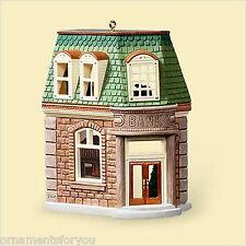 HALLMARK 2006 Corner Bank Nostalgic Houses and Shops Ornament