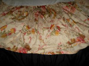 """Ralph Lauren Homemade Crib Skirt Sussex Gardens Floral Cotton 16"""" Drop"""