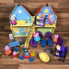 Peppa Pig Deluxe House With Furniture Table Sofa's Bed Bath & 7 Figures Bundle