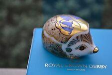 "Royal Crown Derby FERMACARTE ""BLUEBELL"" Hedgehog 1st Qualità & ORIG BOX NUOVO"