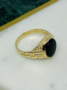 Hallmarked 9K 375 Yellow Gold Mens Oval Black Onyx Curb Sides Signet Ring 3.7G