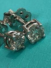18 Carat White Gold 0.50 Carats Round Cut Diamond Stud Earrings