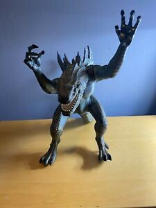 "TrendMasters 1998 Ultimate Godzilla  20"" Tall 25"" Long with box"
