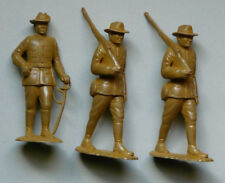 LOT 3 figurines/soldats plastique MARX police canadienne Canada  65/70 mm