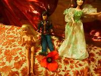 lot==== le prince KEN ,la princesse barbie et l amie