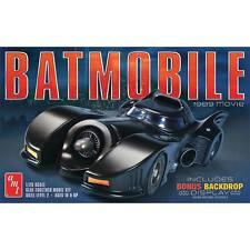 AMT 1/25 Batmobile 1989 Movie AMT935 w/ Bonus Backdrop Display Plastic Model Kit