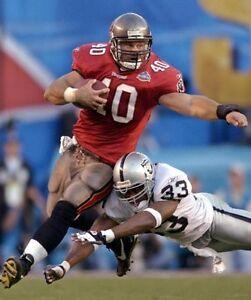 MIKE ALSTOTT 8X10 PHOTO TAMPA BUCCANEERS  BUCS PICTURE NFL FOOTBALL