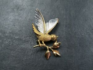 VINTAGE 9ct WHITE & YELLOW GOLD BIRD BROOCH PIN 1998