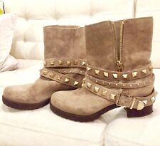 BCBG Estabon Studded Tan Suede Leather Ankle Boots Booties Size 9 Aldo Rt $169