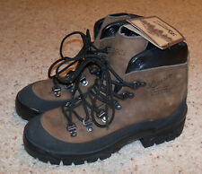 NEW With Tags Men's Danner Combat Hiker 43513X Leather Hiking Boots, 6, Bro