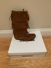 New In Box! Ladies Minnetonka Boots Size 7