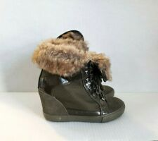 Aldo Faux Fur Olive Green Wedge Ankle Boots Sneakers