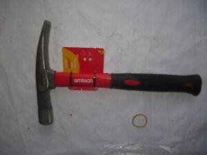 AMTECH  Fibreglass Brick Hammer - Hard Sturdy Chisel Head 24 Oz 3 YEAR GUARANTEE