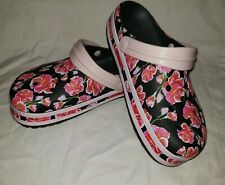 Crocband™ Graphic III Clog Floral Pink Rose Print Size W6/M4