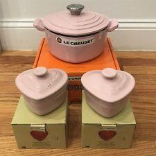 NIB Le Creuset Heart Dutch Oven  2 Quart Qt Chiffon Pink w/ 2 mini cocottes