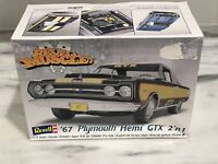1:25 Scale '67 Plymouth Hemi GTX 2'n1 Model Kit - Skill 2 - Revell #85-2386 NIB