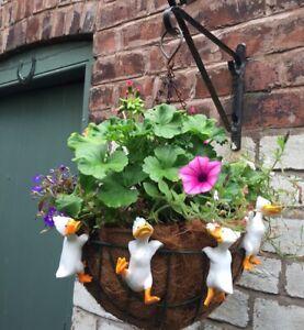 4 Ducks Birds Chicks Flower Pot Hangers Decorations Garden Statues Ornaments