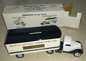 Steelcase Ertl #7502UO Vintage 2nd Edition 1937 Ford Tractor Trailer Coin Bank