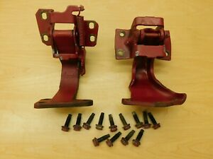 DOOR HINGES - RH FRONT PAIR - PASSENGERS SIDE 1967 GM FULL SIZE 67BW2-3H2