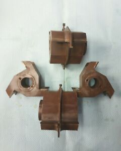 Moulder splitter and planer combination head for wood moulding machine.