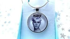 JUSTIN BIEBER MUSIC SINGER PHOTO  SILVER PLATED 22 INCH  NECKLACE GIFT BOX PARTY