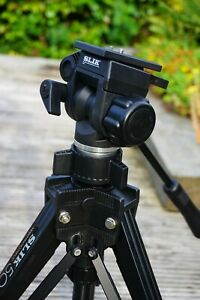 Slik 504QF video / photo tripod and carry case with head