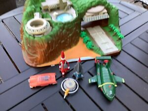 thunderbirds playset - sold as seen bedroom sort out