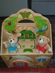 Melissa And Doug Woodland  Tree House with Furniture and Teddy's