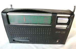 Vintage National Panasonic MW.SW 8-Transistor radio