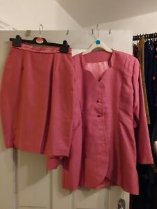 Ladies Formal Suit Size Small Worn Once