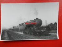 PHOTO  LNER CLASS V2 LOCO NO 4807 BR 60836