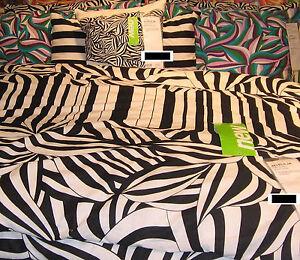 IKEA Myrlilja DUVET COVER Pillowcases SET Black White Swirl 70s Op Art QUEEN