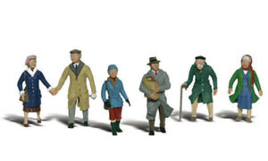 Woodland Scenics ~ HO Scale People ~ Couples In Coats ~ A1900