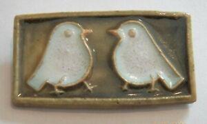 GREAT MID CENTURY VINTAGE SIGNED CUB DENMARK~GLAZED POTTERY CERAMIC BIRD BROOCH