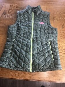 Women's The North Face Green Thyme Thermoball Quilted Puffer Zip Vest Size M
