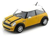 Bburago 1:24 Mini Cooper S, Yellow Model 1:24  Scale Collectible
