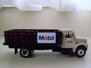 FIRST GEAR MOBILE OIL INTERNATIONAL 4900 SERIES STAKE TRUCK #59-0111 1:54 J*