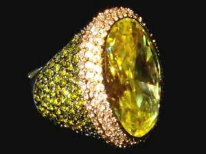 HOLIDAY SALES! GORGEOUS  OVAL LIME COCKTAIL CZ RING SIZE 9